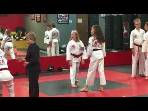 02262018 kina learning new self defense knee to the groin