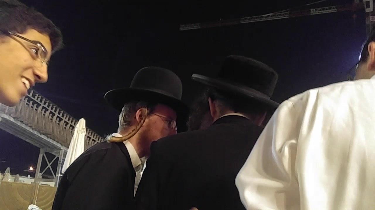 רבי אלימלך בידרמן בכותל המערבי יום שישי. פרשת דברים elimelch Rebbe at the western wall