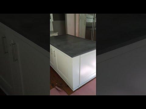 Genialidad la de esta persona que construyó una bodega secreta bajo la cocina