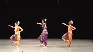 Смотреть видео Концерт Ансамбля Сантош онлайн