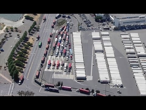 Longshoremen Walk Out After Noose Found at Port of Oakland