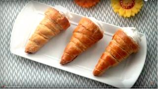 ক্রীম রোল || Bangladeshi Confectionery Style Cream Rolls || Cream Roll Recipe Bangla || Cream Horns