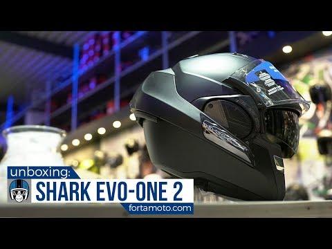 Shark Evo-One 2 motorcycle helmet unboxing | FortaMoto.com