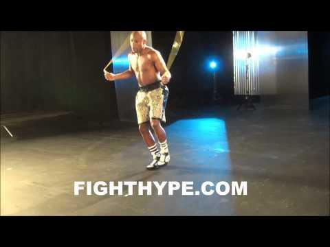 floyd-mayweather-displays-sick-jump-rope-skills-ahead-of-marcos-maidana-clash