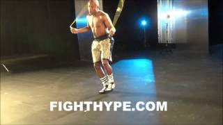 FLOYD MAYWEATHER DISPLAYS SICK JUMP ROPE SKILLS AHEAD OF MARCOS MAIDANA CLASH