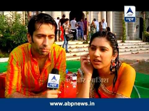 Aditya-Pankhuri's surprise Holi!!