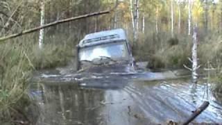 штурман переплывает на другой берег))))!!!!!........