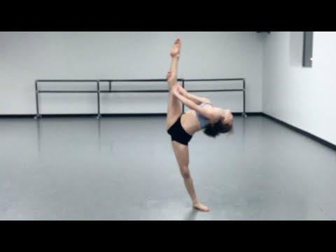 Eva Igo   Michael Bublé - Santa Claus Is Coming to Town Choreography