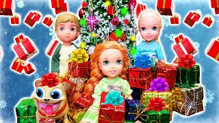 Christmas 2019! Elsa And Anna And Kristoff Toddlers Celebrate Christmas With Family.