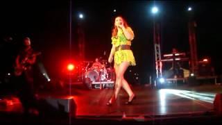 O,ti niotho den allazi & Pirotehnimata - Helena Paparizou - Amfissa 31.08.2012