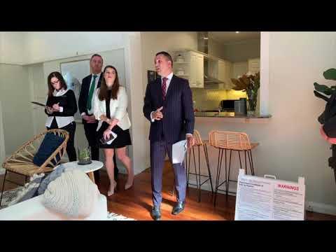Killara apartment in Sydney sells under the hammer at auction