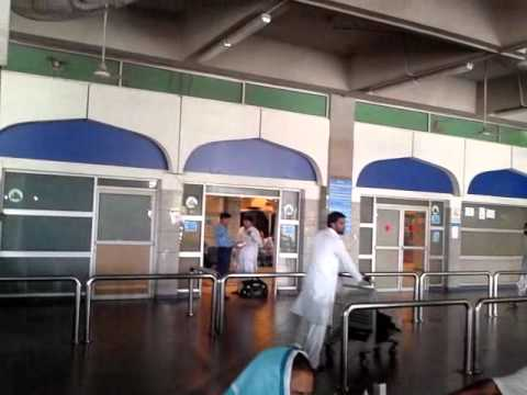 Shafqat siana at Islamabad airport for departure