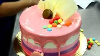 Украшение тортов | Украшение торта на день рождения своими руками(Видео урок о том, как украсить торт на день рождения ребенка своими руками. Вместе будем украшать домашний..., 2016-08-30T16:08:25.000Z)