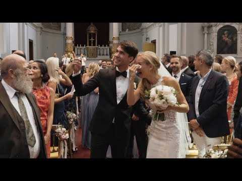 LOVE ACTUALLY wedding surprise. Groom surprises bride.