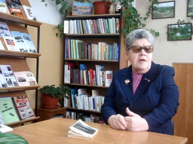 Изображение предпросмотра прочтения – ОльгаОднорал читает отрывок изпроизведения «Ленинградская поэма» (Берггольц Ольга)