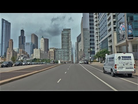 Driving Downtown 4K - Chicago's Skyline