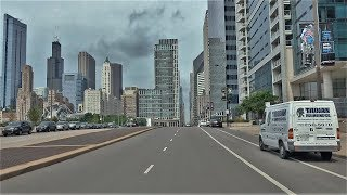 Driving Downtown - Chicago Skyline 4K - USA