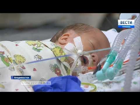В детской краевой больнице №1 врачи встретились со своими бывшими пациентами