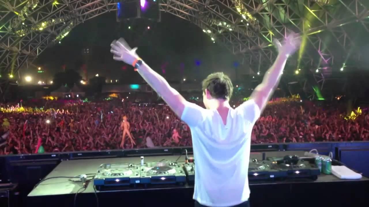 Krewella - Alive (Hardwell Remix) @ Coachella '13 - YouTube