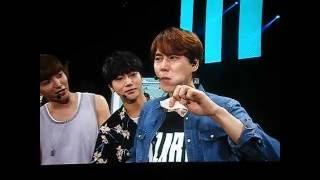 Heechul diciendo que el brocoli es caca , Leeteuk y los chapulines ...