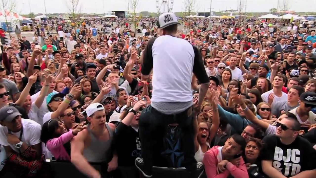 Mgk Presents Kellyvision Day 20 Youtube