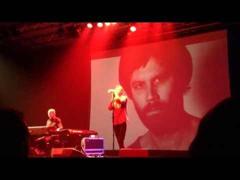 Jay-Jay Johanson - Rocks In Pockets (live in Geneva)