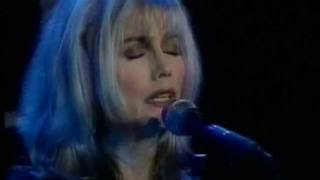 Emmylou Harris - Calling My Children Home - Live.wmv