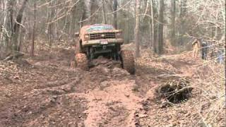 MONSTER CHEVY 4X4 BLOWING DOWN IN NASTY RUTS