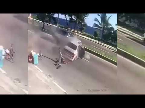 Video: Asaltantes atropellan a un Delivery cuando eran perseguidos por la PN en Santo Domingo.