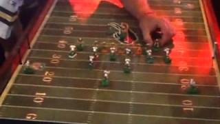 Repeat youtube video Xfinity Live plays host to electric football (8/17/13)