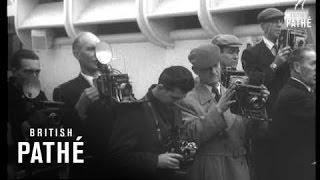 Australian Cricketers Arrive (1956)