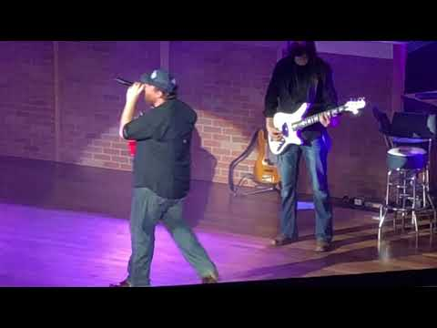 Luke Combs s Tennessee Whiskey