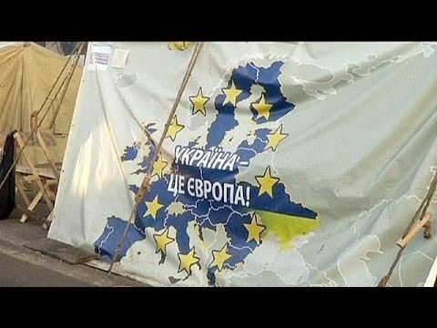 L'opposition ukrainienne prête à passer les fêtes sur la place de l'Indépendance