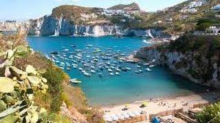 Ponza è la maggiore delle isole ponziane (il cui arcipelago comprende anche le di gavi, zannone, palmarola, ventotene e santo stefano) ed situata nel...
