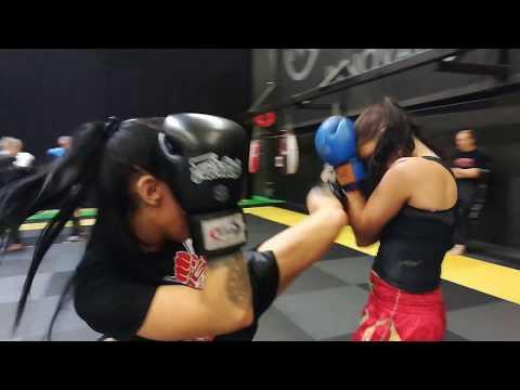 Muay Thai koukku