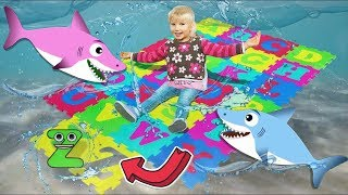 Baby Shark Sing and Dance! | ABC Song Learn English Alphabet | Songs for Children with Kid Shark!