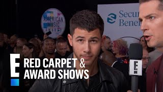 Baixar Nick Jonas Gives Love Life Update at 2017 AMAs | E! Red Carpet & Award Shows