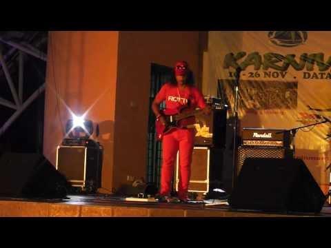 Tajul Samudera Stage Show - Gitar Solo Part 2 (16Nov13)