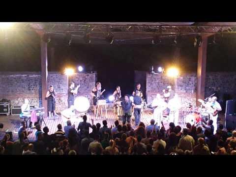Oreste Barbella Enzo Avitabile Live Grumento Nova Anfiteatro Romano (PZ)http://youtu.be/Z6L9pNd