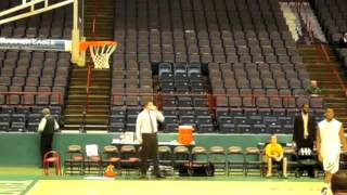Ronald Moore Warm Up dunks (siena)