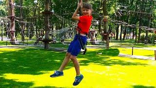 Развлечения в веревочном парке - Аттракционы и игры для детей | Видео для детей