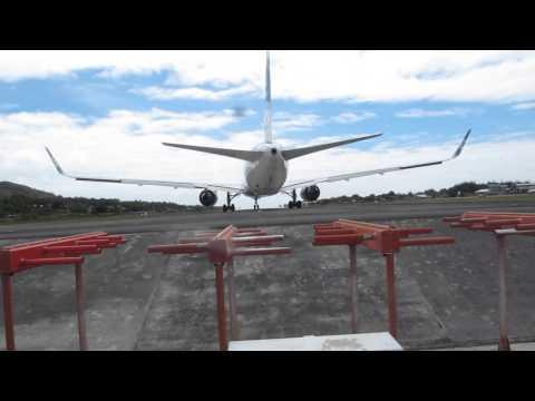 Rarotonga Jetblast from AirNZ 777