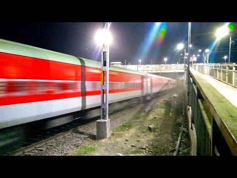 Dust Storm - Mahabodhi Express Raises Dust at 130kmph
