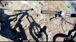 Смотреть всем! Шокирующие трюки на велосипеде! Шоумания, 16.10.2014(Звезда Youtube. Парень вытворяет на велосипеде шокирующие трюки. Просто челюсть отваливается. Шоумания - это..., 2014-10-16T12:00:53.000Z)