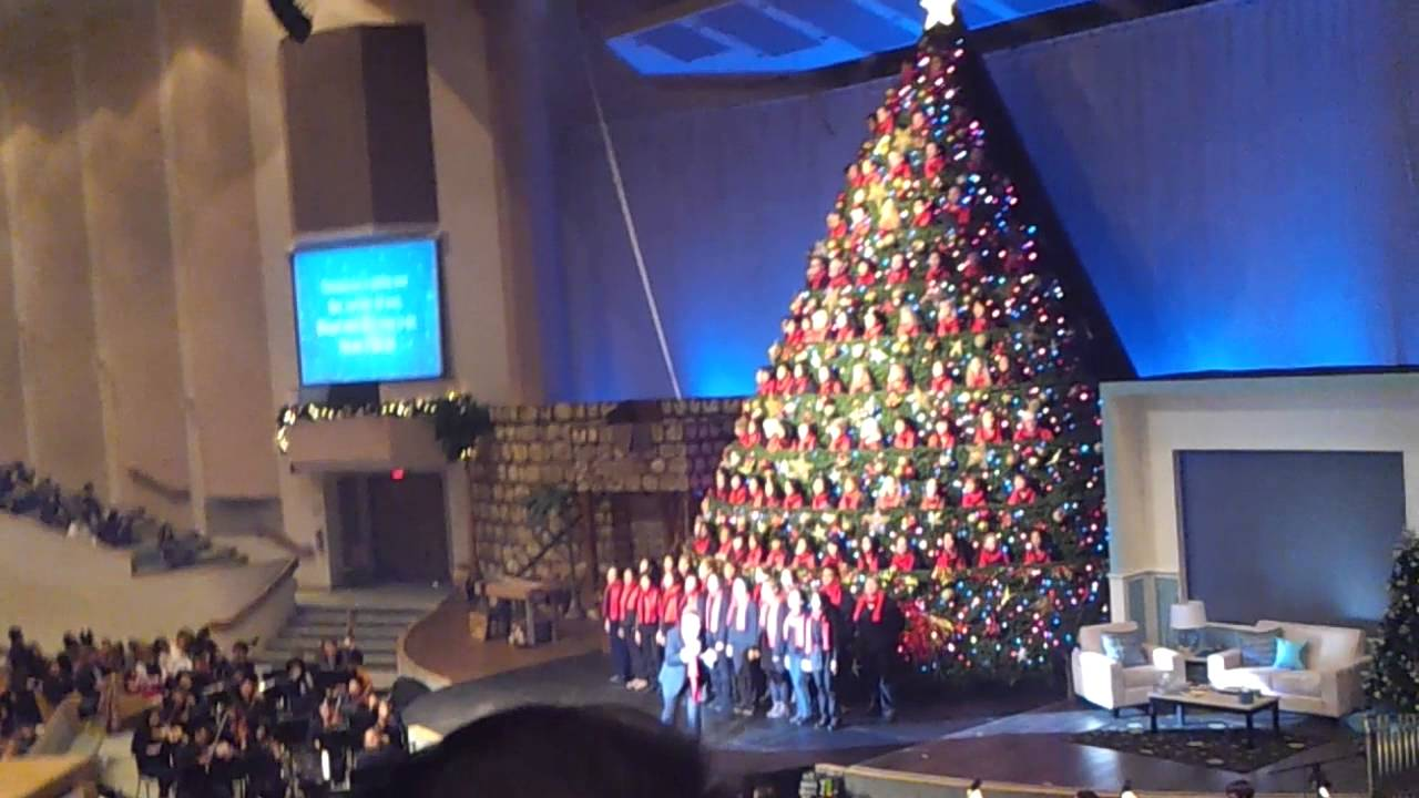 Singing Christmas Tree @ Broadway Church, Vancouver (2) - YouTube