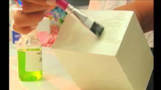 Aprenda três técnicas de 'craquelê' em caixinhas de MDF
