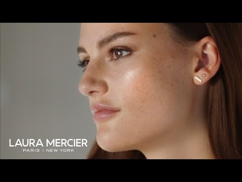 The #1 Setting Powder Now Glows: NEW Translucent Loose Setting Powder Glow | Laura Mercier