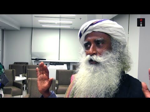 Sadhguru Jaggi Vasudev's Take On Social Media, Yoga & The Blue Whale Game