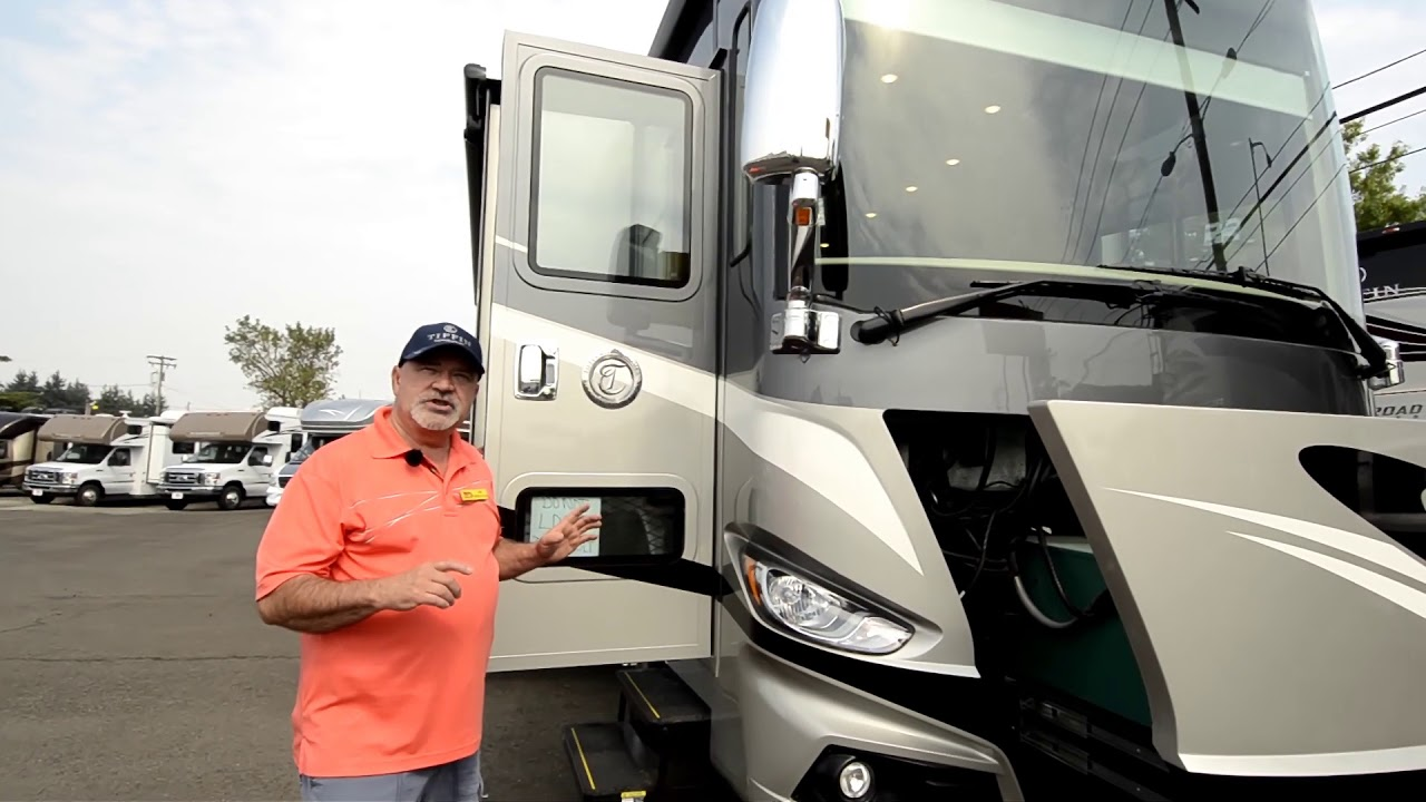 The RV Corral 2018 Tiffin Phaeton 40IH STOCK# NA1004