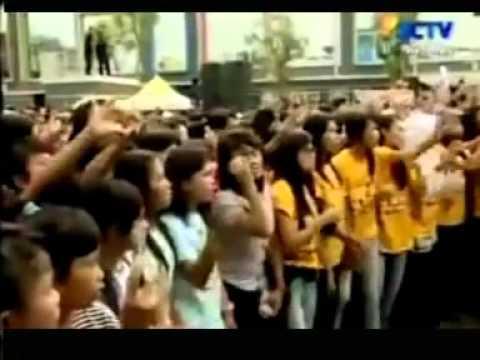 Armada - Pemilik Hati (Video Clip + Lyrics).FLV